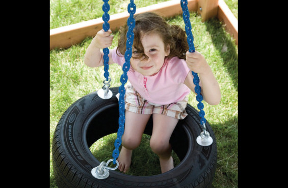 The plastisol coated chain creates pinch free grip & also allows for 360 degree spinning.
