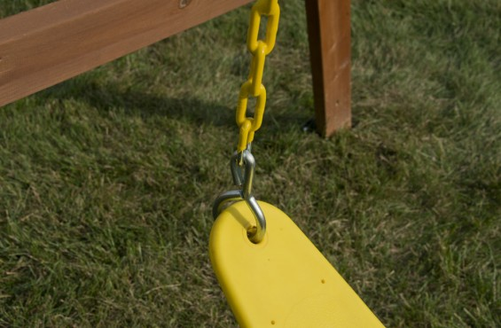 The polymer injected molded belt seat is extra durable to withstand hours of play.