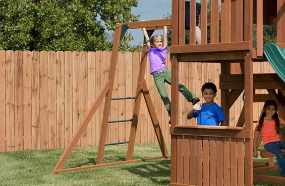 We included monkey bars to help children improve their strength, agility and hand-eye coordination, all while enjoying themselves.