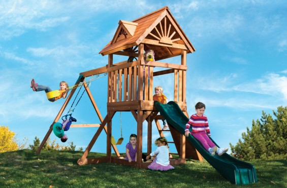 Measuring 18 ft. 2 in. wide, the High Flyer Deluxe playset is the perfect size for smaller yards, but the overall design allows for up to 8 children to play at one time.