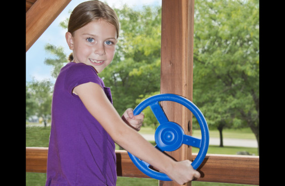 The steering wheel accessory can be easily mounted to the play deck to promote imaginative play.